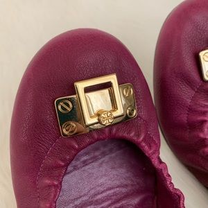 Tory Burch Leather Scrunch Heel Logo Ballet Flat